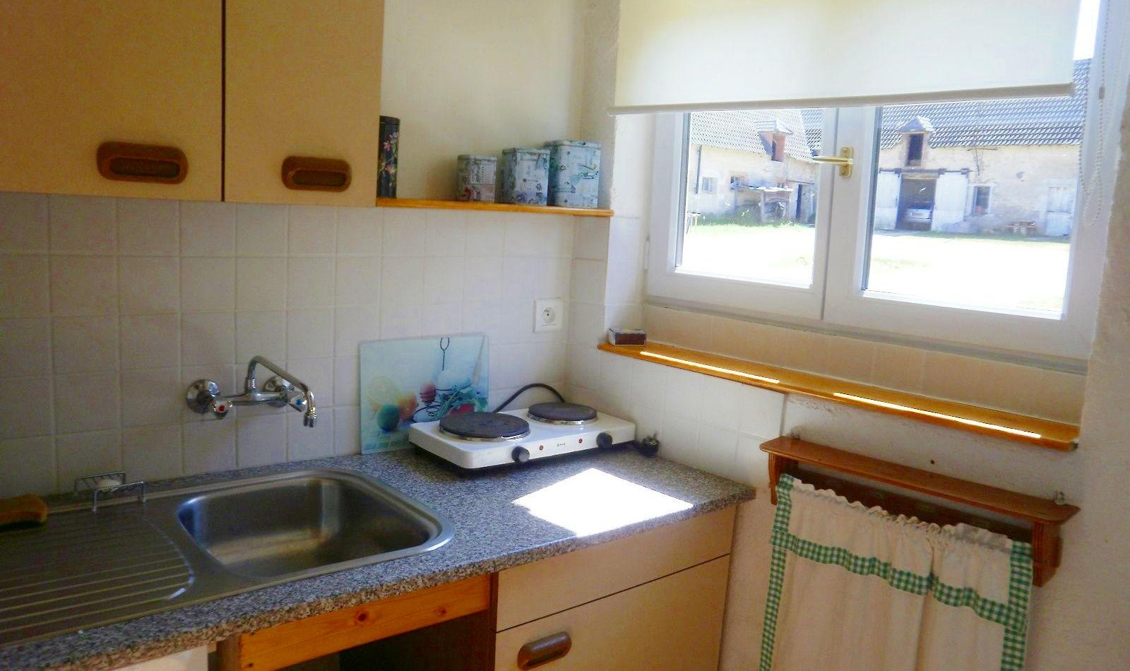 045-huisje-frankrijk-vallon-keuken